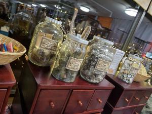 Herbs & Resins
